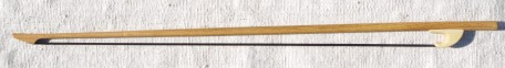 Archet en bois de Robinier 250